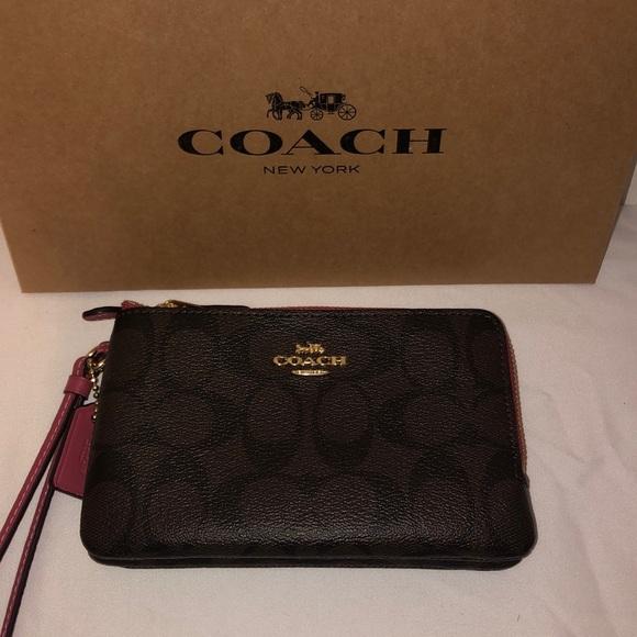 Coach Handbags - NWT Coach Wristlet Brown Leather